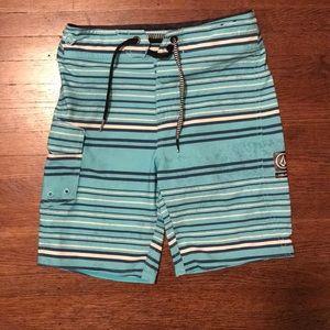 Boys Volcom board shorts Sz 7
